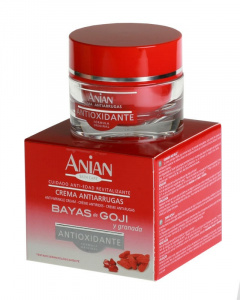 Anti-aging face cream: goji berries and pomegranate